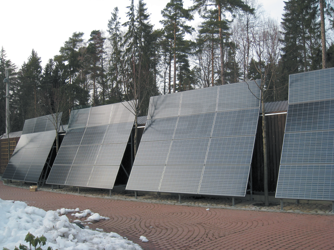 **Установка солнечных батарей с использованием системы страт-профилей серии СА**